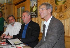 Sepp, Dirk und Hans während der Diskussionsrunde